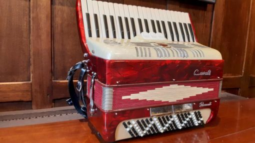 G.Cavalli 41 key 120 bass ladies model accordion in Red and Cream