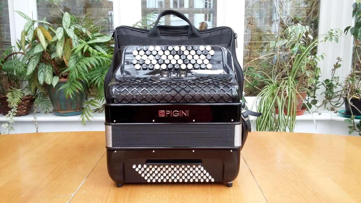 Pigini B2 - 37key/78/37 Free Bass C-Griff Bayan/Classical Accordion £3000  (Used)