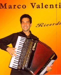 The amazing young Italian virtuoso Marco Valenti plays some of Carlo Venturi's successes with some compositions by Gigi Stok and Renato Benelli and Valenti himself as an added bonus. Scabroso (Benelli), Note Doppie (Valenti), Elettrico (Stok), La Zanzara (Venturi), Spaventata (Venturi), Menestrello (Venturi), La Sventurata (Venturi), Piccolo Fiore (Venturi), Franca (Venturi), Alla Venturi (Venturi).
