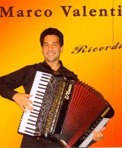 The amazing young Italian virtuoso Marco Valenti plays some of Carlo Venturi's successes with some compositions by Gigi Stok and Renato Benelli and Valenti himself as an added bonus. Scabroso (Benelli), Note Doppie (Valenti), Elettrico (Stok), La Zanzara (Venturi), Spaventata (Venturi), Menestrello (Venturi), La Sventurata (Venturi), Piccolo Fiore (Venturi), Franca (Venturi), Alla Venturi (Venturi).
